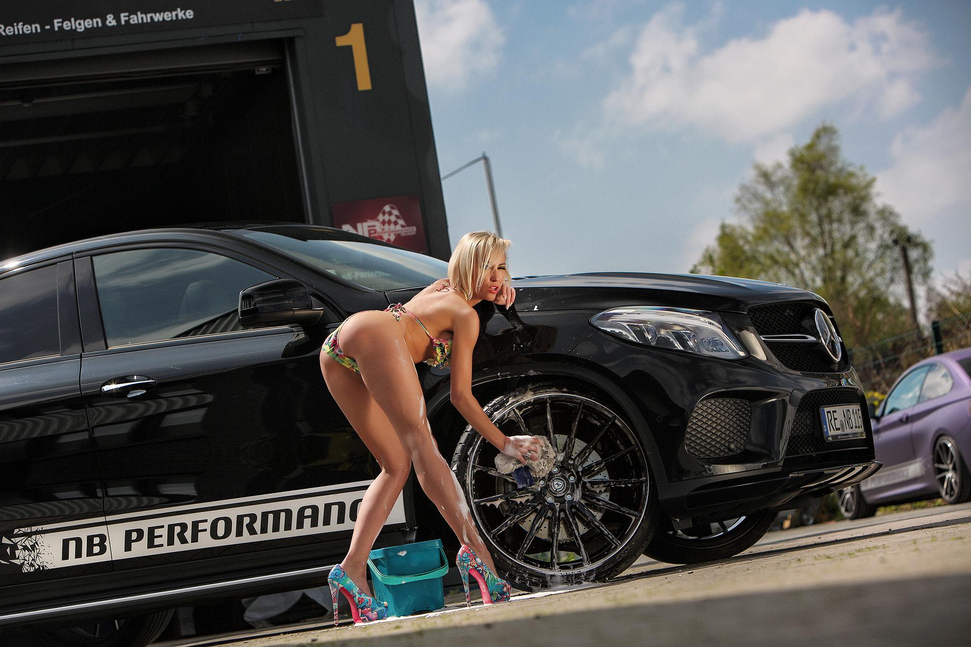 Mercedes Benz and bikini carwash